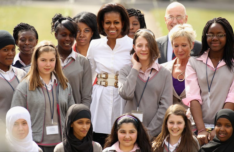 Michelle Obama meets with schoolgirls at Oxford. (Getty Images)