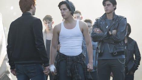 Riverdale's speeding plot loses a little traction on Dead Man's Curve