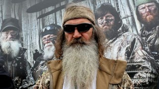 Illustration for article titled Anus-Obsessed Quack Phil Robertson on ISIS: 'Convert Them or Kill Them'