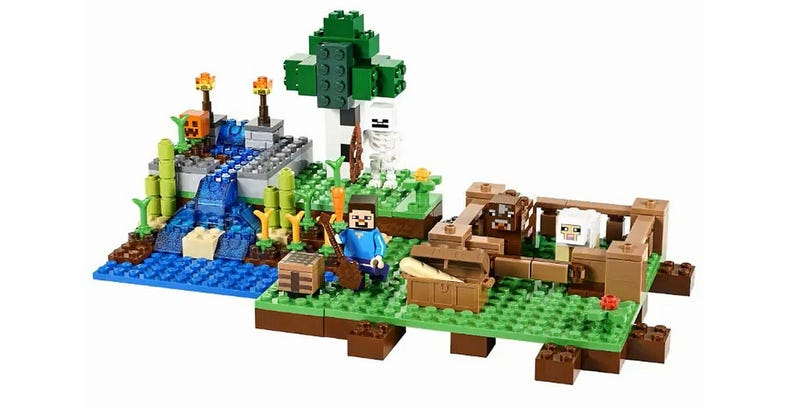 Illustration for article titled New Minecraft LEGO Will Fit Your Minifigs