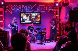 Illustration for article titled Rock Band 2: Perfecting The Game