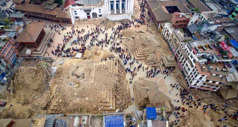 Illustration for article titled Imágenes en dron muestran la destrucción en Nepal tras el terremoto