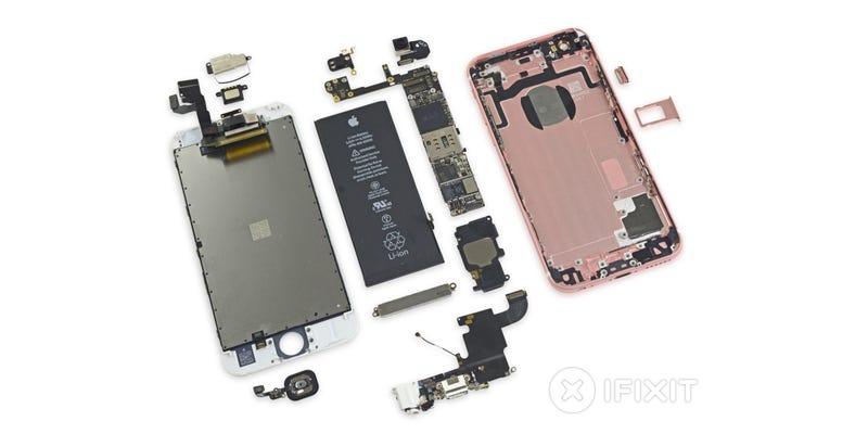 Illustration for article titled iPhone 6S Teardown: Smaller Battery, Heavier Display, Kinda Repairable