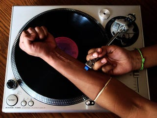 Illustration for article titled ¿Puede la música ser más efectiva que las drogas?