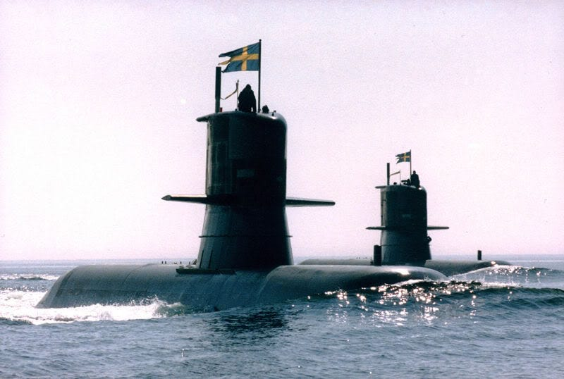 Does the U.S. Navy offer a list of its submarines to the public?
