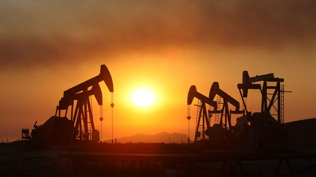 California Commits to Phasing Out Oil Extraction by 2045