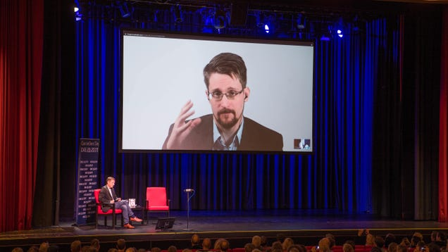 Edward Snowden Leaks Intent to Become Russian