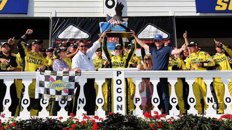 Illustration for article titled Kenseth Wins NASCAR Race After Everyone In Front Of Him Runs Out Of Gas