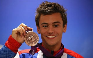 Illustration for article titled Tom Daley clarifies his sexuality! Or does he?