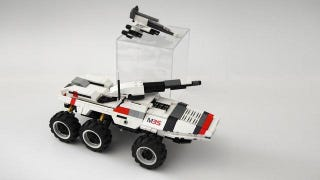 Illustration for article titled Mass Effect's LEGO Mako Looks Easier to Drive