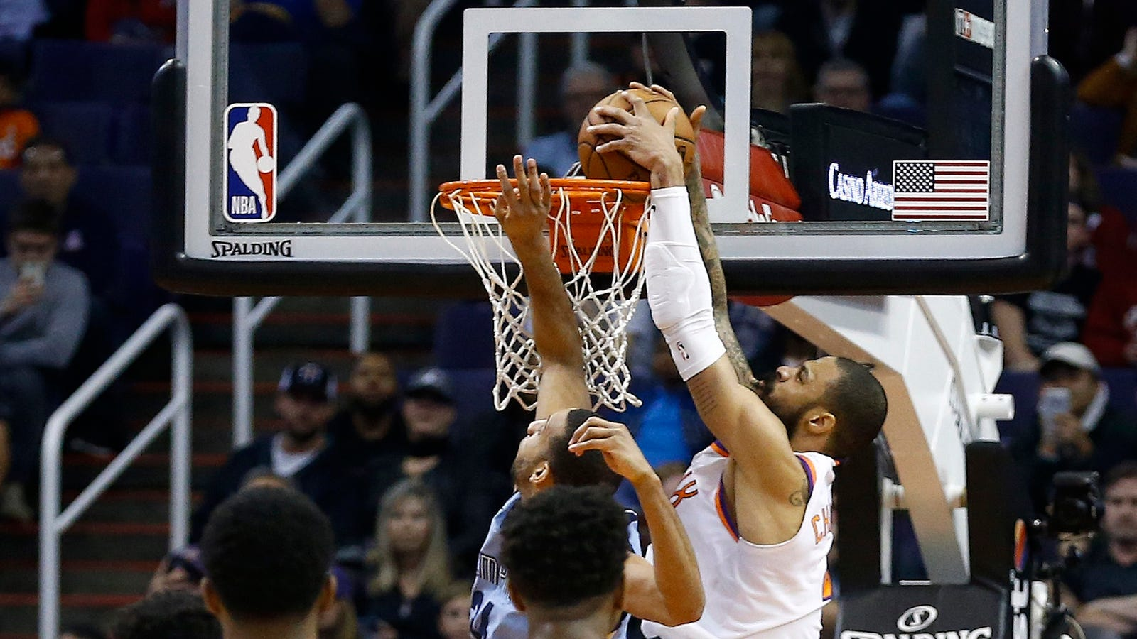 Tyson Chandler Dunks Off The Inbound Pass For Last-Second Win