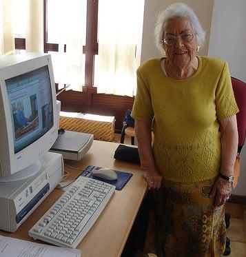 Illustration for article titled World's Oldest Blogger Dies At 97