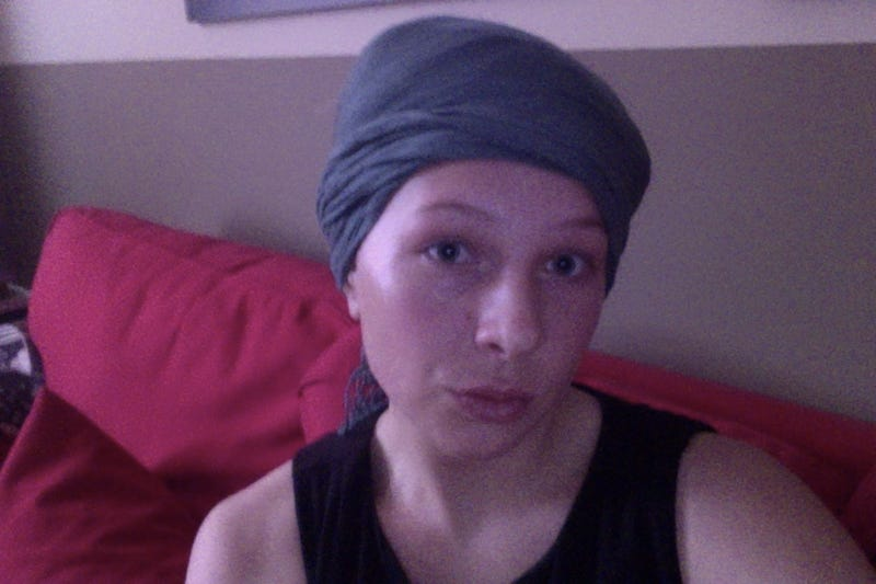 Illustration for article titled Coconut Oil Hair Treatment / Grey Gardens Cosplay