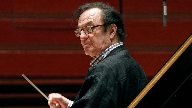 Illustration for article titled Swiss Conductor Accused of Sexual Assault Gets Standing Ovation at Paris Concert