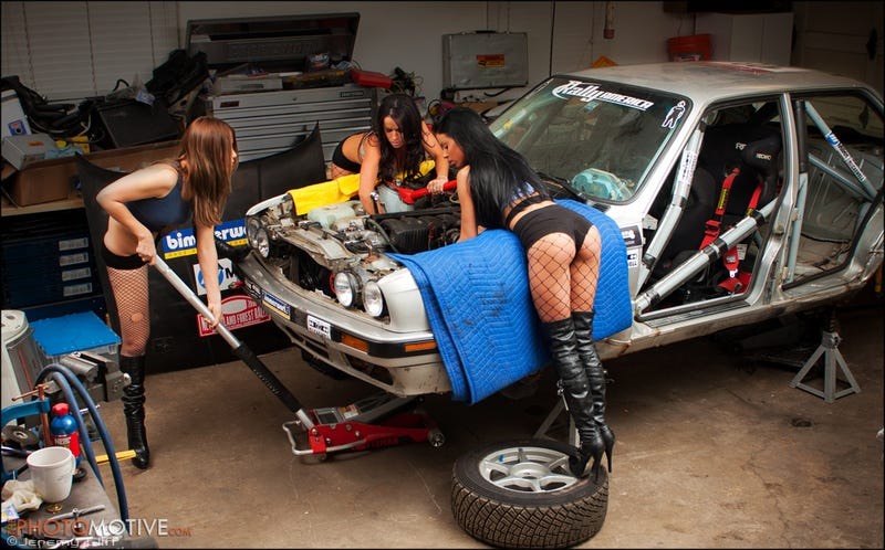 Illustration for article titled Bill Caswell Rally Mechanic Girl Photos