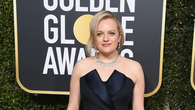 Elisabeth Moss not-so-subtly confirms that she's Universal's Invisible Woman