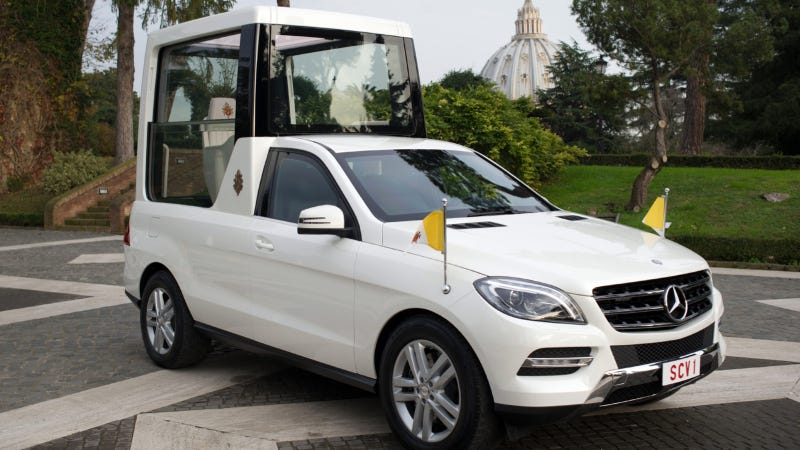 Illustration for article titled Surprise! Pope Benedict's New Popemobile Is A Mercedes-Benz Again