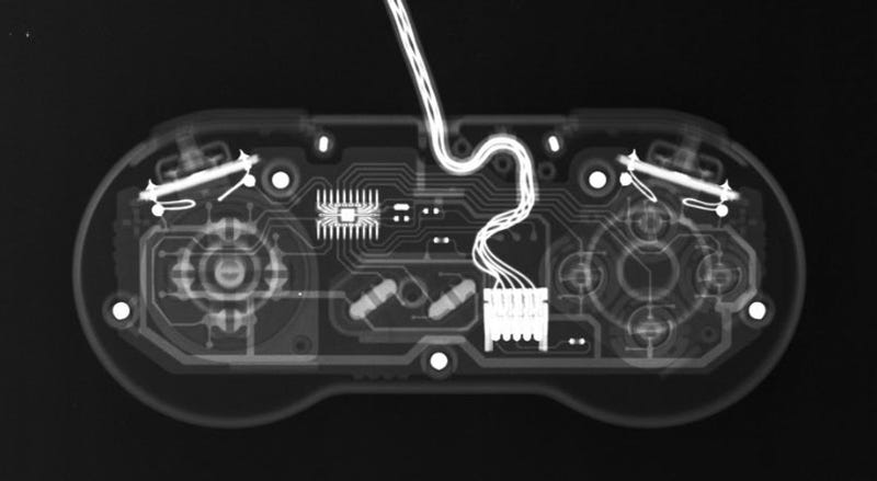 Illustration for article titled The X-Rays of Completely Healthy Game Consoles