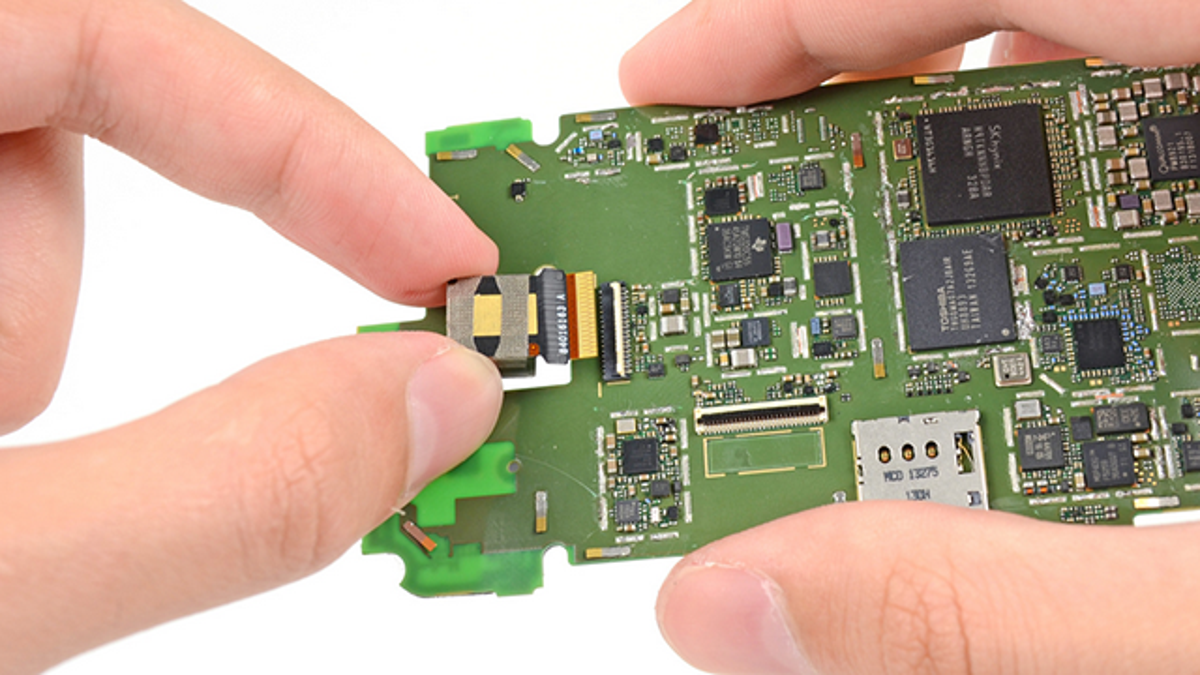 The Most Common Smartphone Repairs You Can Do Yourself Tool Tip Repair A Circuit Board Skool