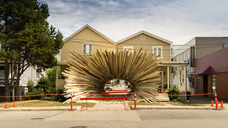 Crazy vortex house artists sue honda over crazy vortex for Ad house