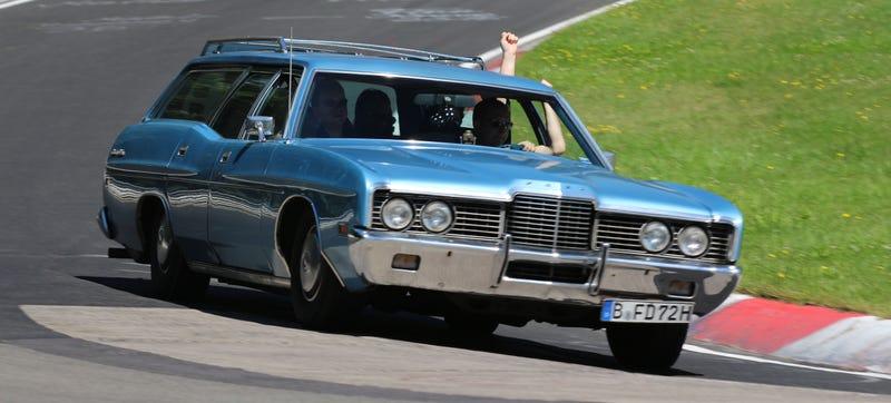 Look at that body roll! Photo Credit: Racetracker.de