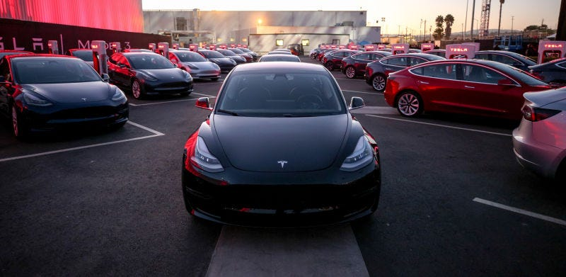 Illustration for article titled Tesla Makes 'Major Progress' Addressing Model 3 Issues But Pushes Back Production Target Again