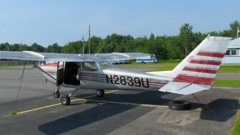 Illustration for article titled Cheap Plane Of The Week: 1963 Cessna 172 Skyhawk For $15,000
