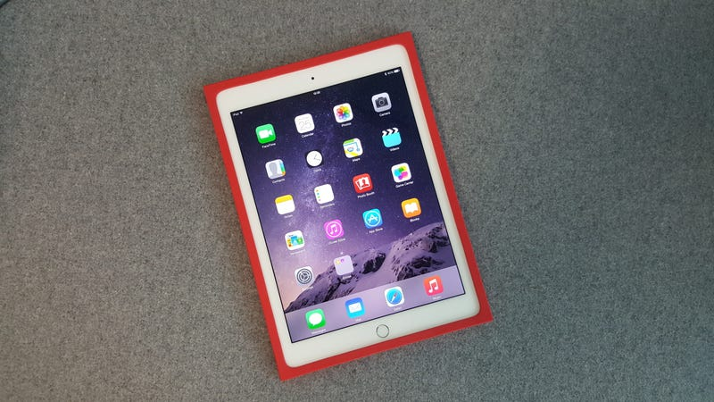 Illustration for article titled Logitech's New iPad Case Doesn't Sacrifice Style For Protection