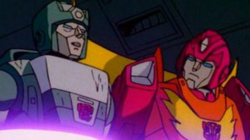 Illustration for article titled This Transformers: The Movie Blu-ray exclusive has better things to do tonight than die
