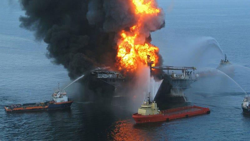 Esto es lo que pasa con el petróleo vertido años después de un desastre
