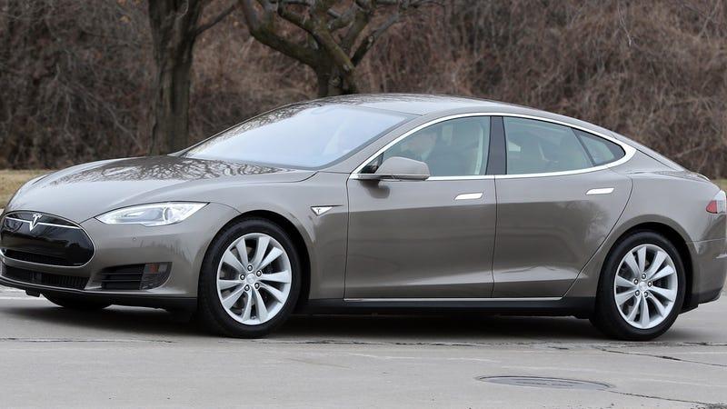 Tesla es exonerada de la primera muerte con el autopilot: fue irresponsabilidad del conductor