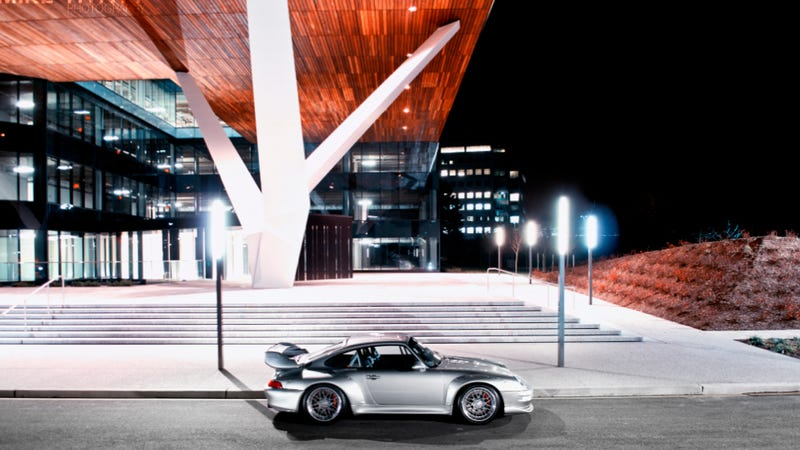 Illustration for article titled Your Ridiculously Awesome Porsche 911 GT2 Wallpaper Is Here