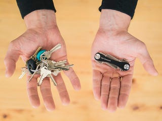 Illustration for article titled Save 26% on KeySmart: The Solution to your Bulky Keyring