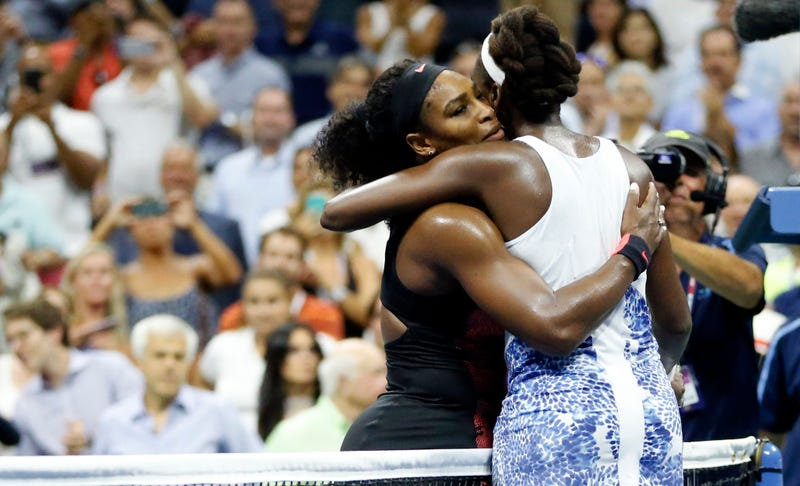 Illustration for article titled Serena Prevails Over Venus In Three Sets, Advances To US Open Semifinals