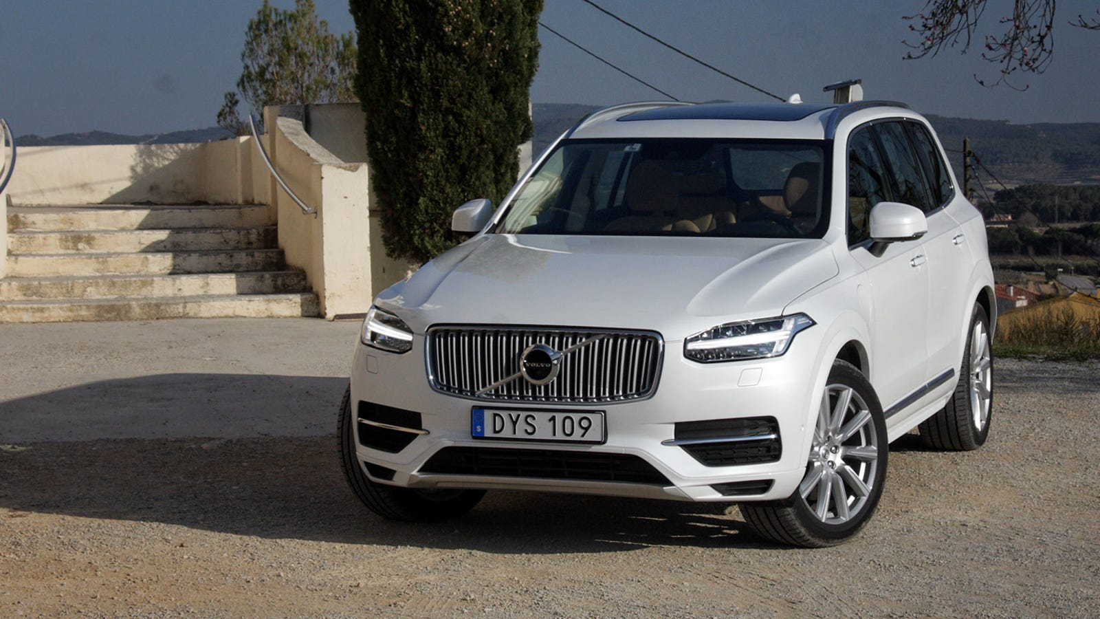 2016 volvo xc90 why this is sweden 39 s most important car in years. Black Bedroom Furniture Sets. Home Design Ideas