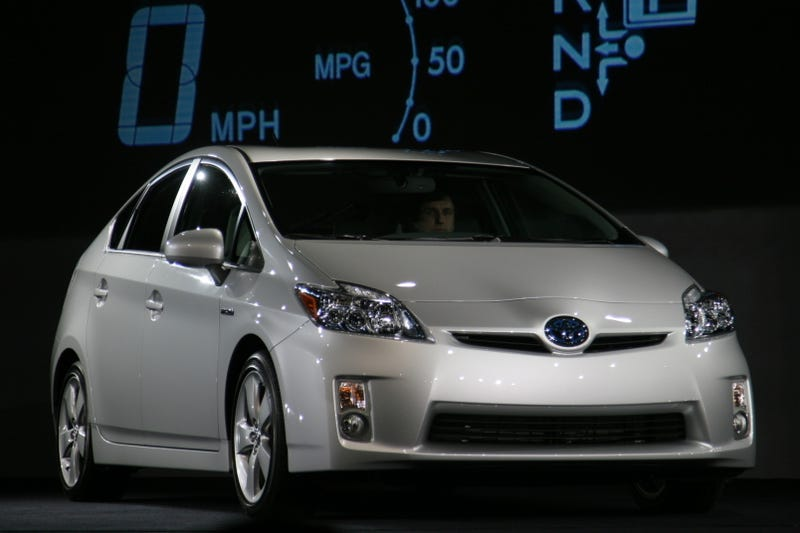 Illustration for article titled 2010 Toyota Prius: At 50 MPG, Officially Highest-Mileage Retail Vehicle