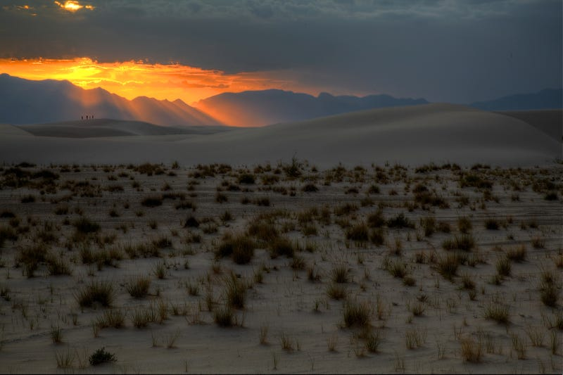 Illustration for article titled The Last Rays of Sunlight Hit the White Sands