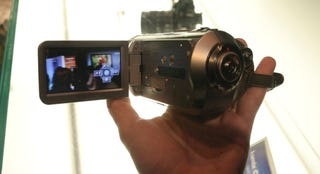 Illustration for article titled Hands On the (Now Cheaper) Panasonic HDC-SD1 HD Camcorder