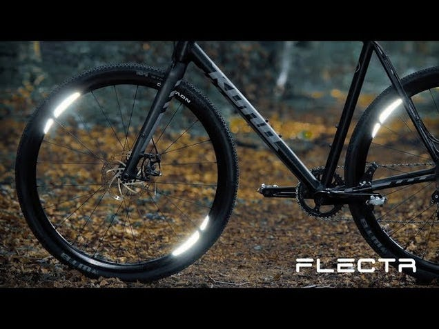 The FLECTR 360 WING Can Keep You Safe During Nighttime Rides Without Sacrificing Style