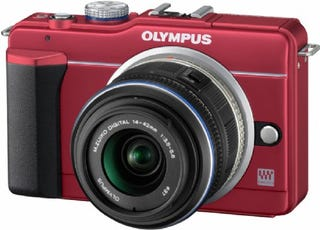 Illustration for article titled Olympus' E-PL1s Has Larger ISO Range and Is World's Lightest Interchangeable Lens Camera