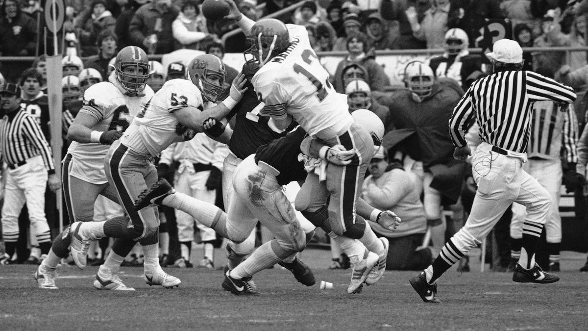 a1b33c46ce9 With The Rivalry Reborn, Pitt And Penn State Players Remember The Game That  Defined It