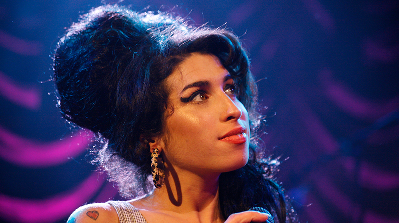 Illustration for article titled Celebrate Amy Winehouse's birthday with this playlist of the singer at her best