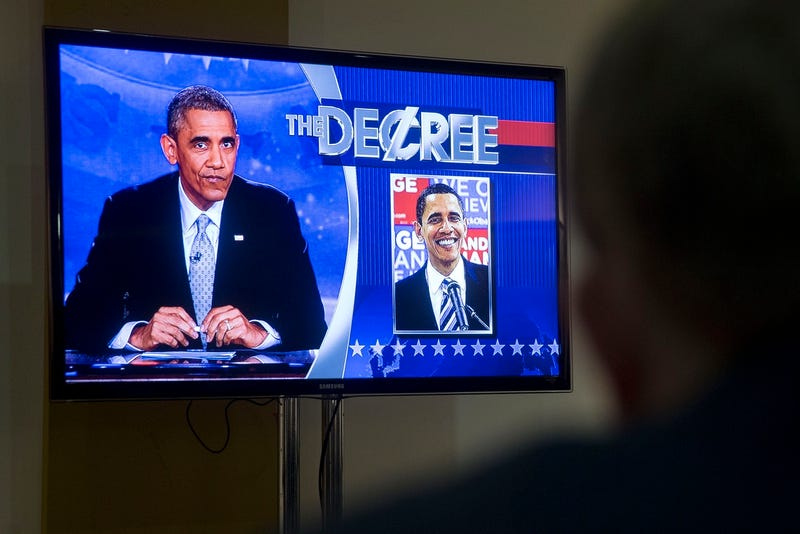 Illustration for article titled President Obama Performs Scripted Segments on Tonight's Colbert Report