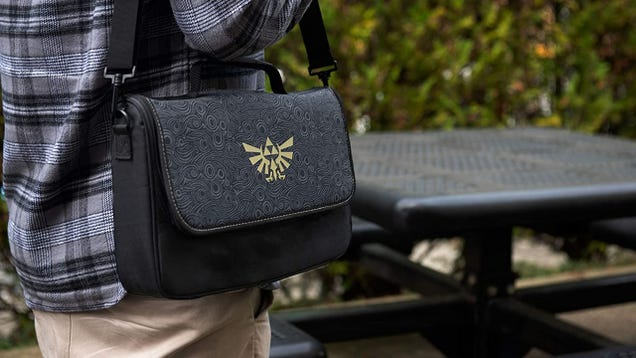 This Zelda: Breath of the Wild Messenger Bag Holds a Nintendo Switch and All Your Accessories, Now $13 Off
