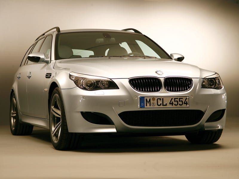 Illustration for article titled The E60 M5 Touring is gorgeous.