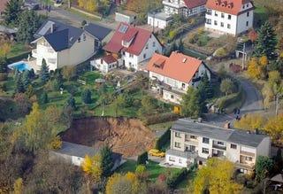 Illustration for article titled Sinkhole in Schmalkalden, Germany