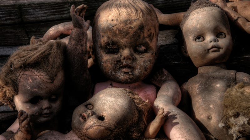 Illustration for article titled World's scariest doll discovered by woman who wrongly insists it's not scary