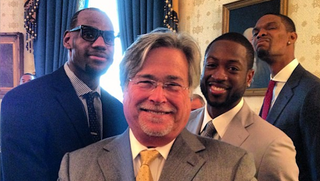 Illustration for article titled Chris Bosh Continues To Be An Excellent Photobomber (White House Edition)