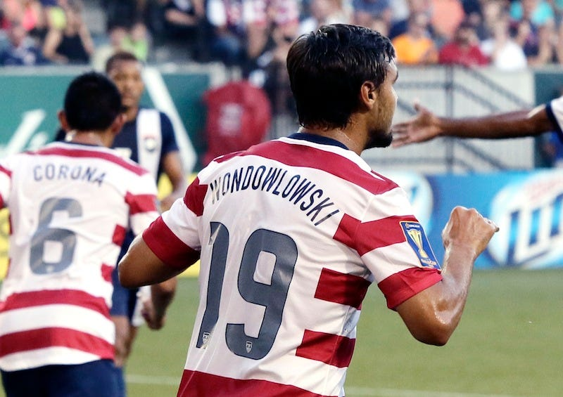 Illustration for article titled Chris Wondolowski Scores A Hat Trick With A Misspelled Jersey