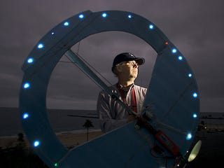 Illustration for article titled Fake UFO Hobbyist Scares People for Fun